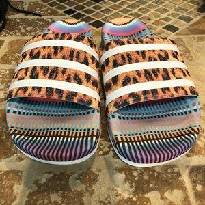 Adidas NWOBOX size 9